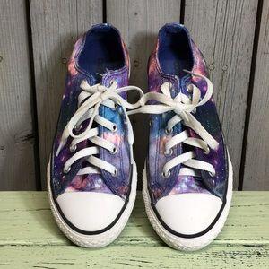 Girl's Converse